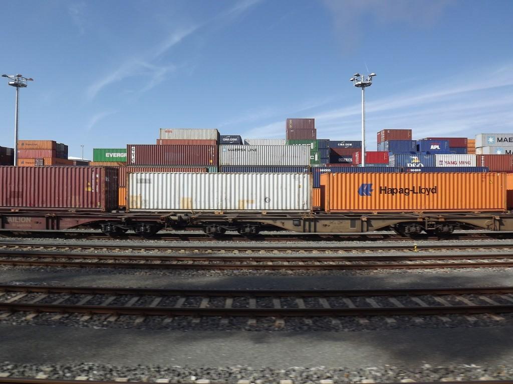 freight-train-363436_1280